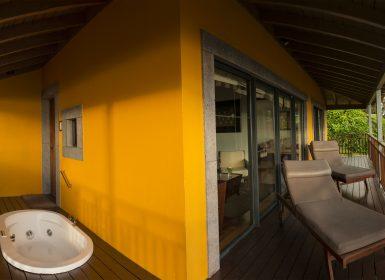CHOUPANA HILLS @Viagensa4_jacuzzi  varanda