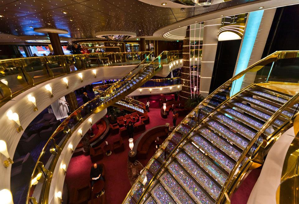 MSC Splendida | Escadaria Swarovski | @viagensa4