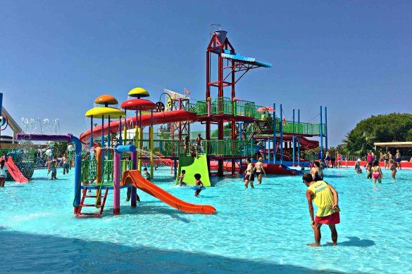 Aquashow Family Park, diversão e adrenalina para toda a família