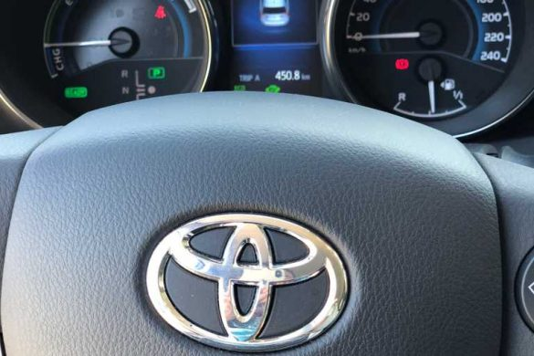 TEST DRIVE | TOYOTA AURIS HYBRID TOURING SPORTS